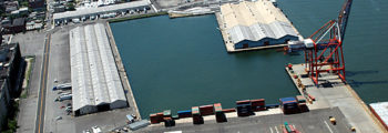 1920s: Red Hook becomes the busiest freight port in the world